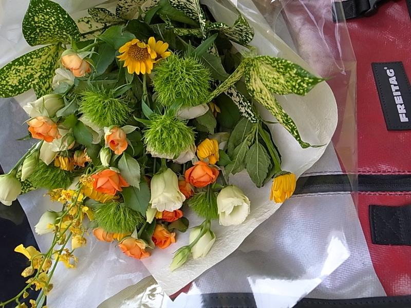 花束をもらうなんて。