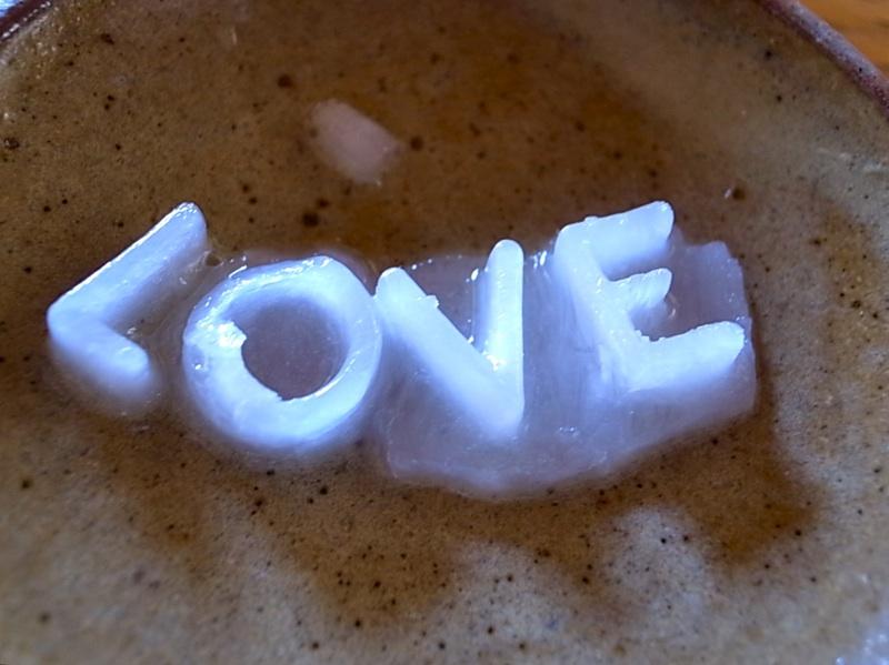 愛は欲望だ。