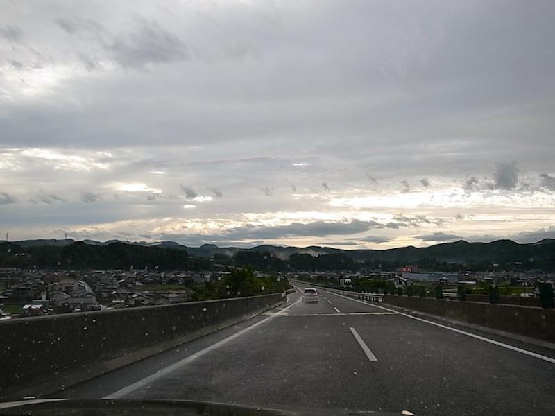 帰路、雨が上がった。