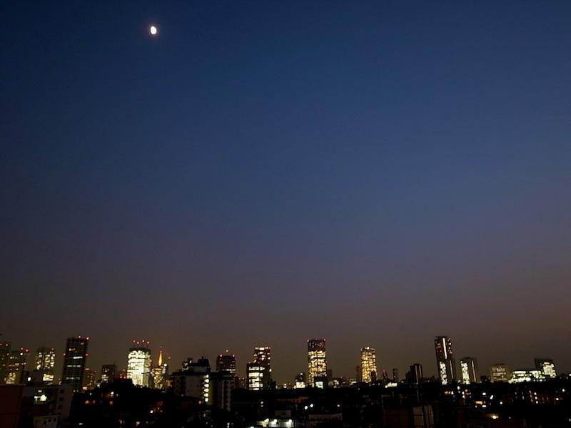東京の夜。