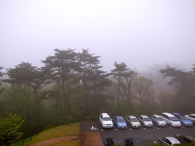 濃霧で風景は見えず。