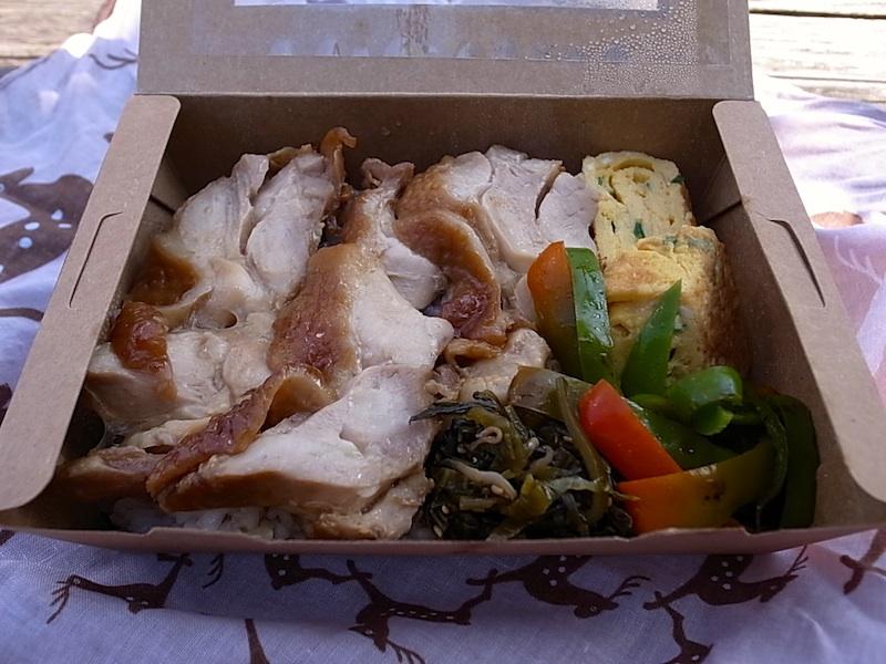人気メニューの鶏飯。
