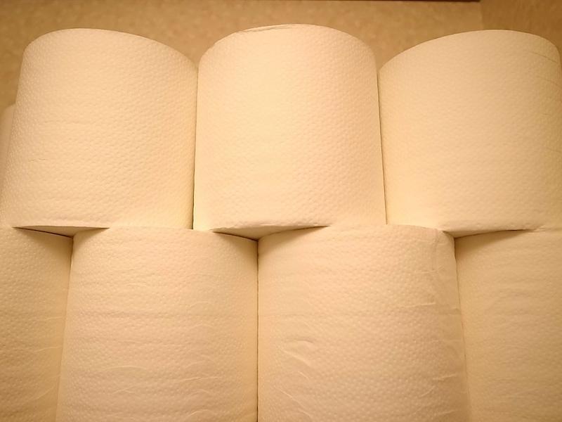 トイレットペーパー。