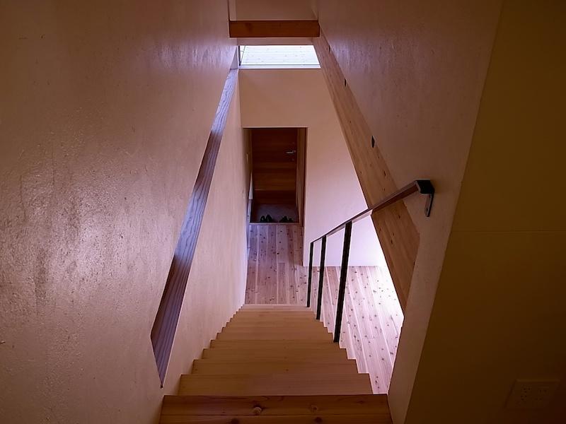 2階から裏玄関。