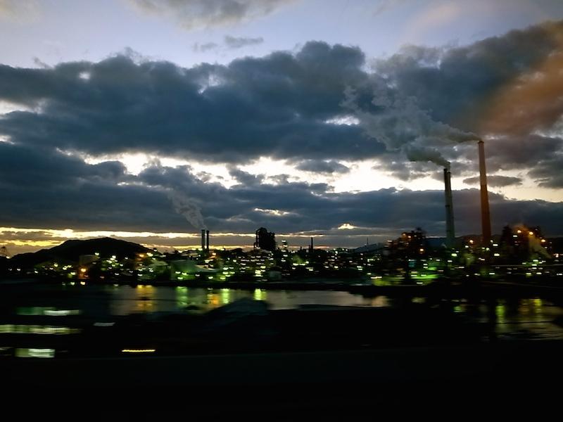 瀬戸内の工場夜景。
